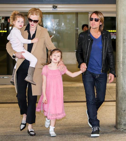 Николь Кидман с дочерьми
