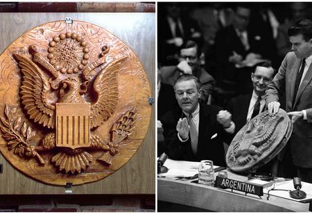 Как русские семь лет подслушивали американцев в посольстве США с помощью «подарка»