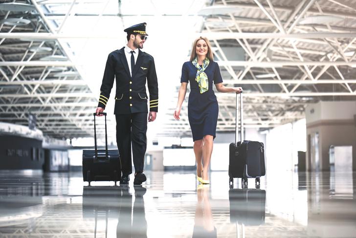 Фото №2 - Личный опыт: с кем на самом деле встречаются стюардессы