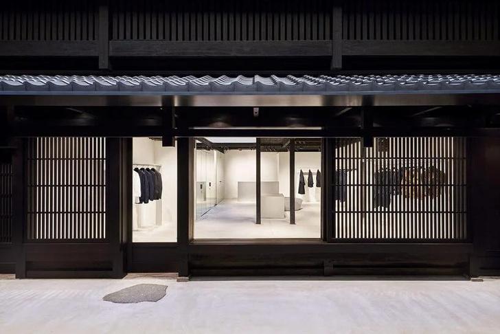 Фото №2 - Новый бутик Issey Miyake в Киото по проекту Токудзина Йосиоки