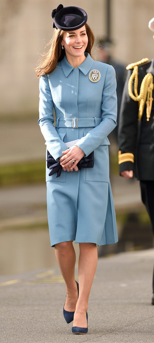 Фото №11 - Все цвета радуги: почему герцогиня Кейт так любит яркие пальто