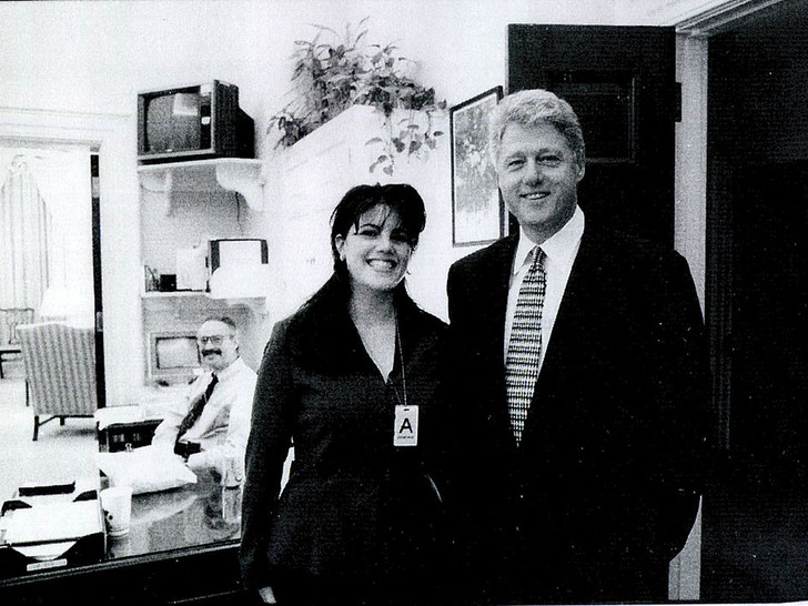 Фото №3 - Внутри скандала с Моникой Левински: что происходило в Белом доме накануне импичмента Билла Клинтона