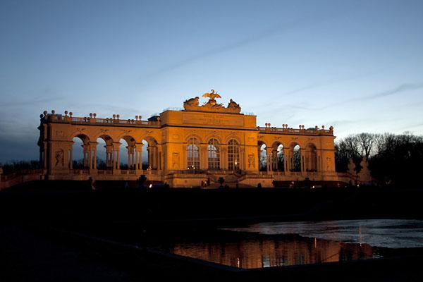 Фото №1 - Зеркала антикварной столицы