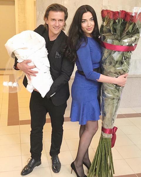 Фото №1 - Бывший муж Анастасии Макеевой отложил женитьбу из-за скорого рождения второго ребенка