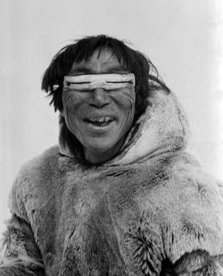 Фото №5 - Древние очки эскимосов, защищающие от снежной слепоты