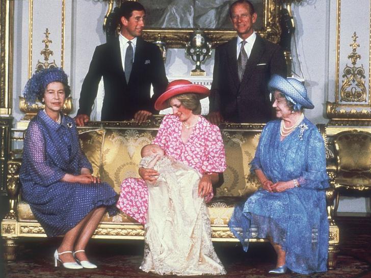 Фото №13 - История в фотографиях: какими были крестины принца Уильяма, и кто стал крестными родителями будущего короля