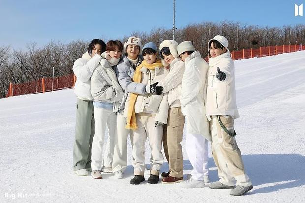 Фото №53 - Снежные ангелы: Big Hit Entertainment выложил 65 новых фото BTS 😍
