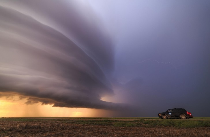 Фото №1 - Охотник за торнадо