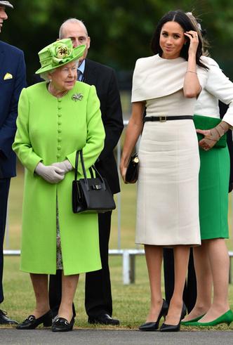 Фото №8 - Меган Маркл и Елизавета II прибыли в Чешир на первое в жизни совместное мероприятие