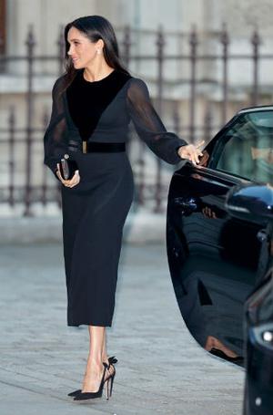 Фото №3 - Как герцогиня Меган меняет монархию одним жестом