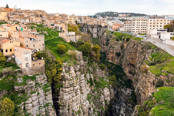 Фото №9 - Жизнь на краю: 10 городов на скалах