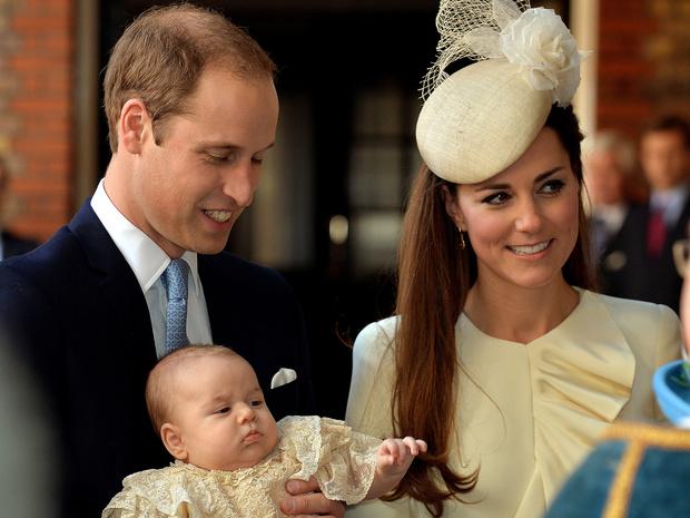 Фото №1 - Почему на крестинах Джорджа не присутствовал никто из Виндзоров (кроме Елизаветы и Чарльза)
