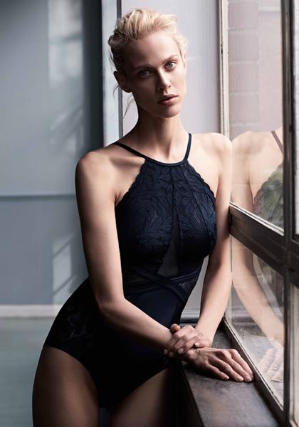 Фото №12 - Неподдельная женственность в новой рекламной кампании Oysho 16/17