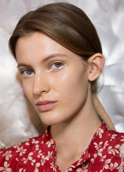 Фото №18 - 11 трендов макияжа весны-лета 2018 с недели моды в Нью-Йорке