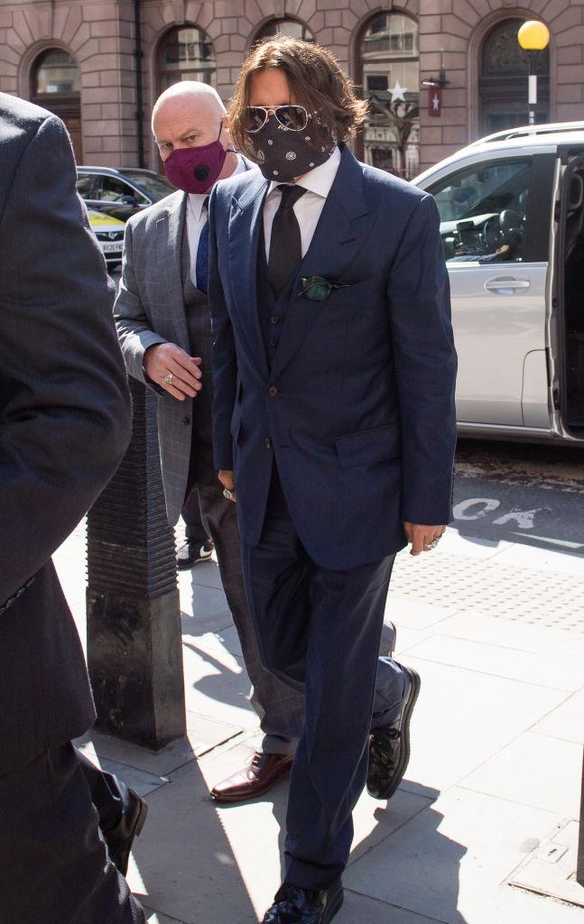 Фото №1 - Встретились в суде: Джонни Депп и Эмбер Херд прибыли в Лондон на заседание по делу о клевете