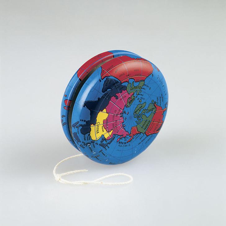 Фото №2 - До спиннера: по каким забавам мир сходил с ума до появления вращающейся игрушки