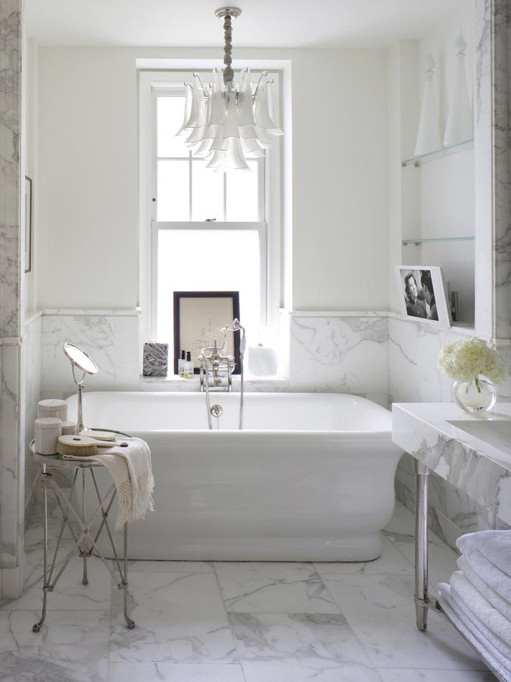 Фото №1 - Ванная комната в классическом стиле: 12 проектов с комментариями дизайнеров