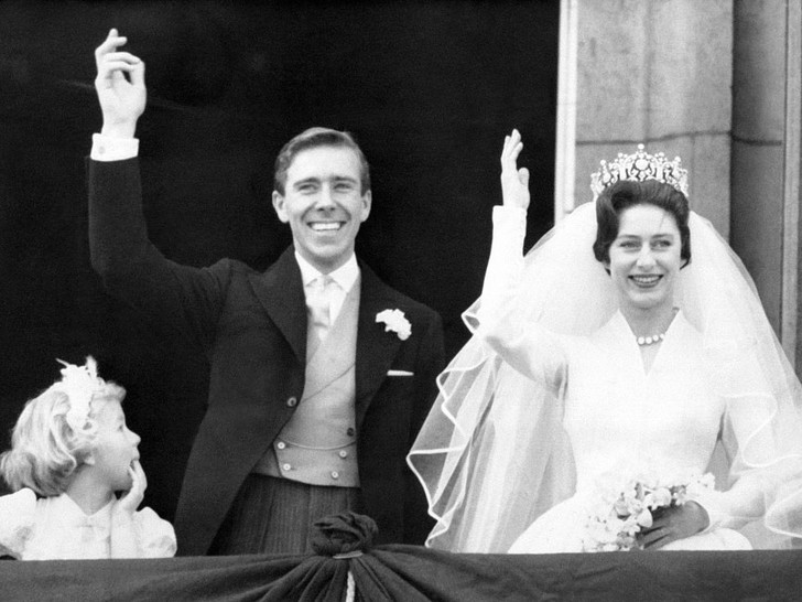 Фото №2 - Как и за что принцесса Маргарет отомстила Королеве в день своей свадьбы