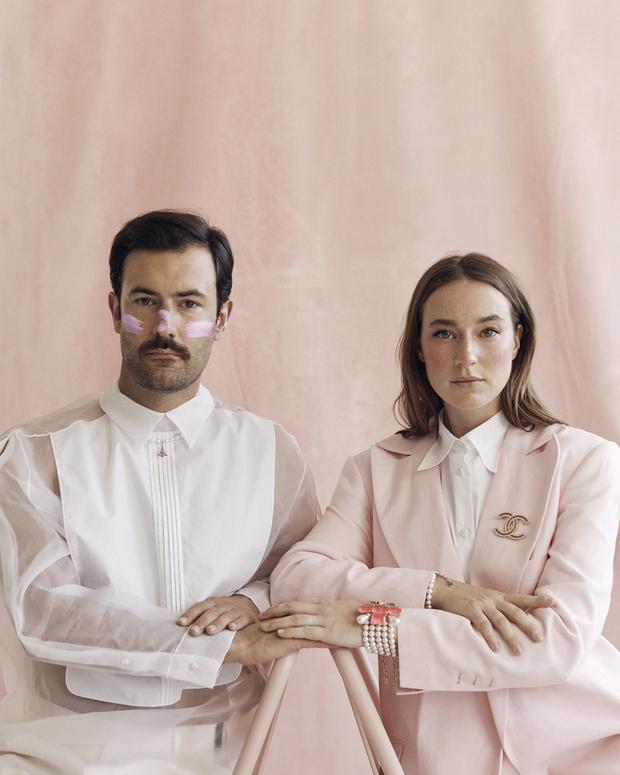 Фото №6 - Вам идет розовый цвет: дуэт художников Young Emperors специально для ELLE