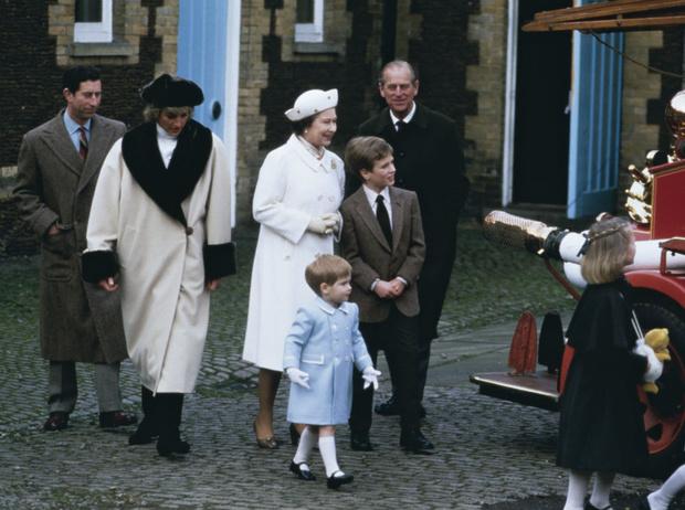 Фото №3 - Такие разные мамы: почему Королеве не нравилось, как Диана воспитывает детей