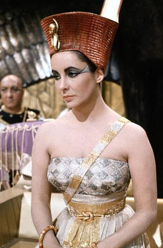 Фото №12 - Самые известные украшения из кино: от бриллиантов Монро до колье из «Титаника»