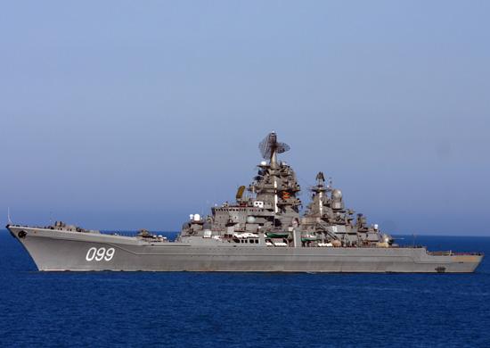 Фото №2 - Американский конгрессмен поздравил ВМС США с годовщиной фотографией русского крейсера