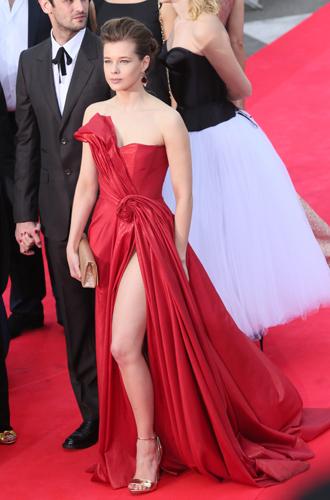 Фото №3 - 10 красавиц «Кинотавра-2017»: подводим модные итоги