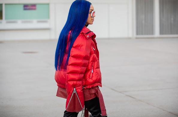 Фото №2 - Что купить: 12 вещей в самом модном цвете 2020 года