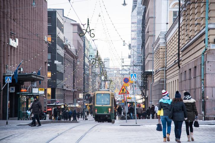 Фото №1 - В Хельсинки путешественников приветствуют остроумным плакатом