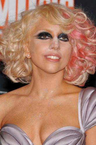 Фото №10 - Как хорошела Леди Гага: все о громких бьюти-экспериментах звезды
