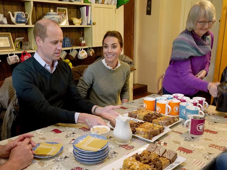 Фото №2 - Беспокойные Виндзоры: куда собрались переехать Кейт и Уильям (и почему это важно для монархии)