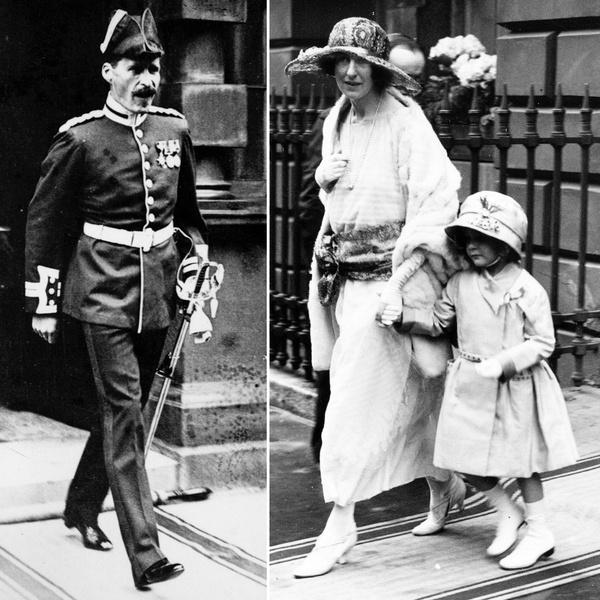 Джон и Фенелла Боуз-Лайон с дочкой