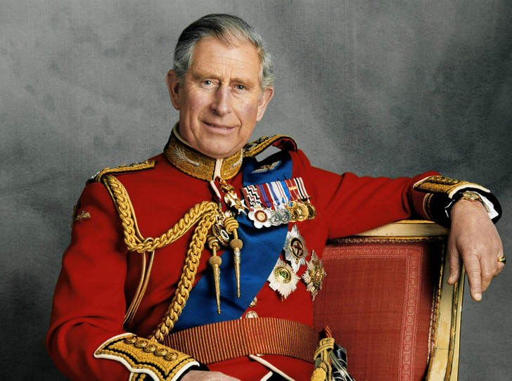 Фото №1 - Почему принц Чарльз станет опасным для британской монархии, когда взойдет на престол