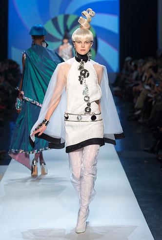 Фото №6 - Обыкновенная фантастика: Jean Paul Gaultier Couture SS18