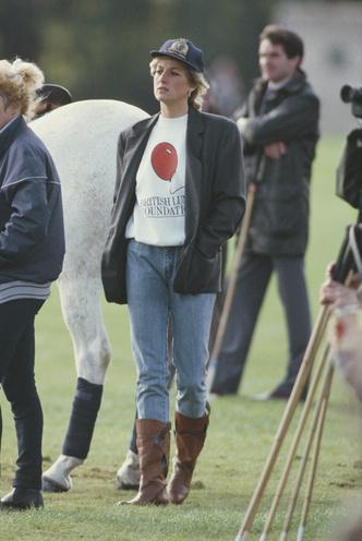 Фото №4 - Королевский кэжуал: как Диана носила объемные пиджаки