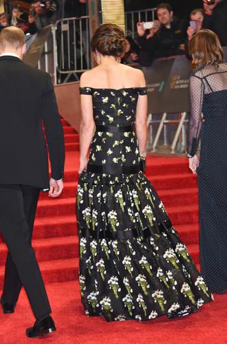 Фото №5 - Талант скромности: герцогиня Кембриджская на церемонии BAFTA