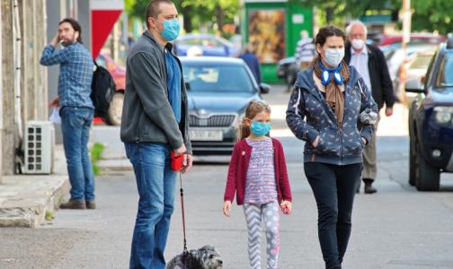 Фото №1 - Сбербанк спрогнозировал пик заболеваемости коронавирусом - ждать осталось совсем недолго