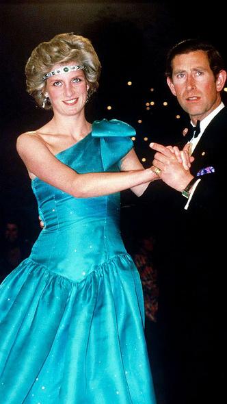 Фото №2 - Как королевские особы носят изумруды
