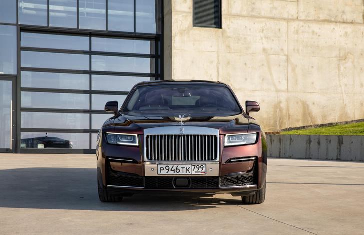 Фото №9 - Ти-ши-на! 10 важных фактов о новом Rolls-Royce Ghost