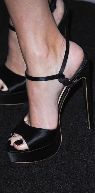 Фото №23 - Обувные бренды звезд, часть 3: Salvatore Ferragamo, Stuart Weitzman, Brian Atwood