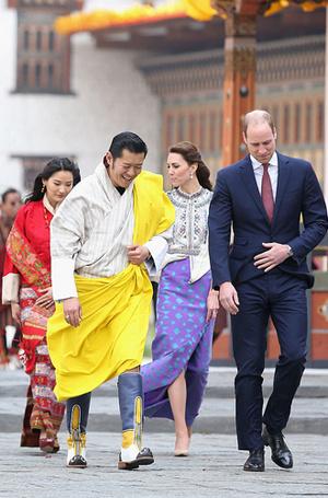 Фото №10 - Король-дракон Бутана: любовь стоит того, чтобы ждать