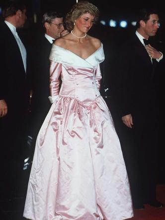 Фото №12 - От персикового до фуксии: как принцесса Диана носила розовый цвет (и почему он ей так шел)