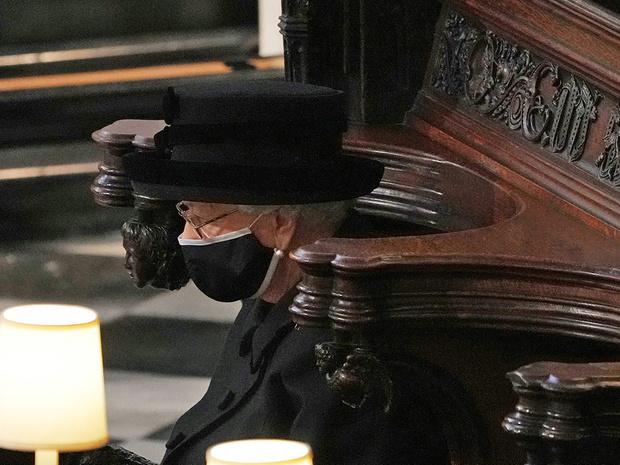 Фото №2 - С любовью, Лилибет: трогательная прощальная записка Королевы принцу Филиппу