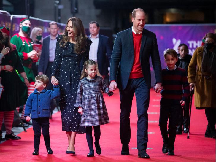 Фото №3 - Смутное будущее: почему Кейт и Уильям беспокоятся за судьбу Джорджа