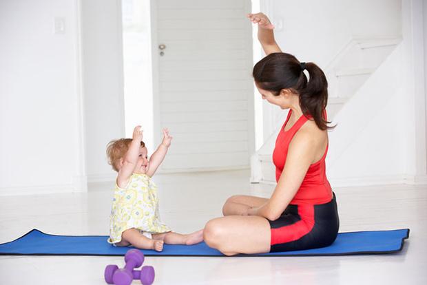 Фото №1 - Фитнес дома: комплекс укрепляющих упражнений для малыша после года