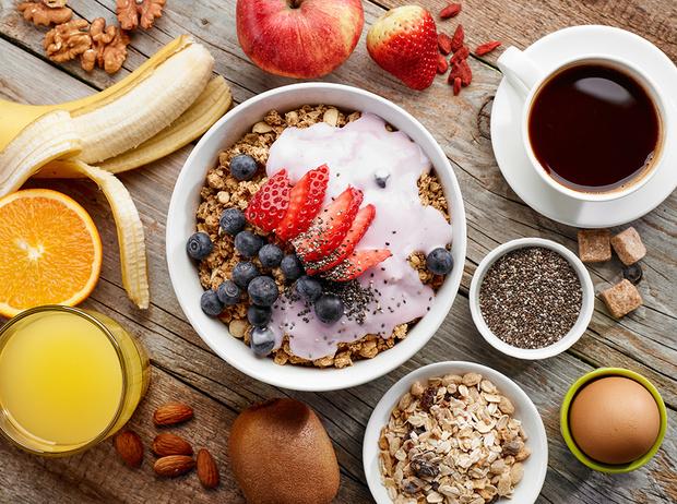 Фото №1 - Какие продукты нельзя есть на голодный желудок