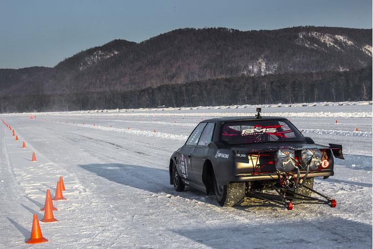 Фото №3 - По толстому льду: как прошли «Байкальская миля» и «Дни скорости на льду Байкала»