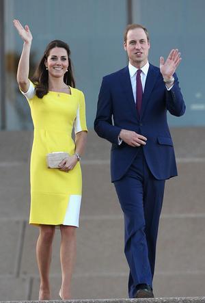 Фото №12 - Королевский тренд: платья в стиле color-blocking от первых британских модниц