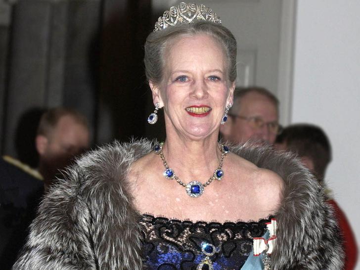 Фото №5 - Битва драгоценностей: у какой европейской королевы украшения дороже и роскошнее, чем у Елизаветы