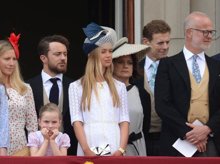 Фото №1 - Не приглашены: кого из Виндзоров не было на свадьбе Гарри и Меган